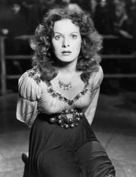 Maureen O' Hara in The Hunchack of Notre Dame (1939)