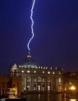 At 5:55 p.m., lightning hit the Vatican on the day Pope Benedict resigned