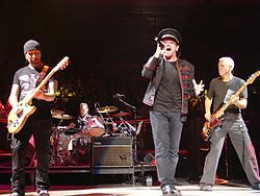 U2 performing at Madison Square Garden, NYC, 2005
