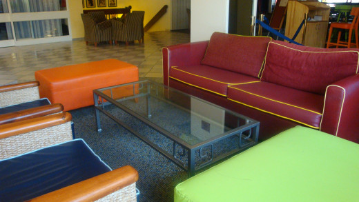 The lobby sitting area. Colorful & relaxing.