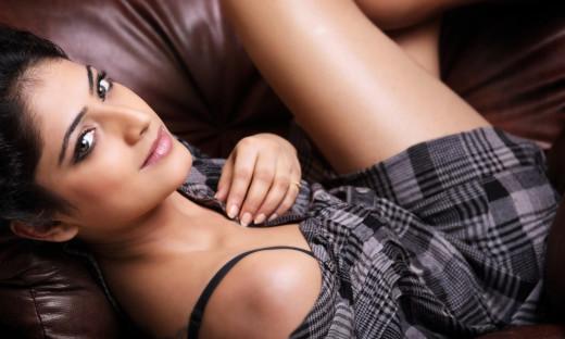 Haripriya: Indian Actress Sexy Photos