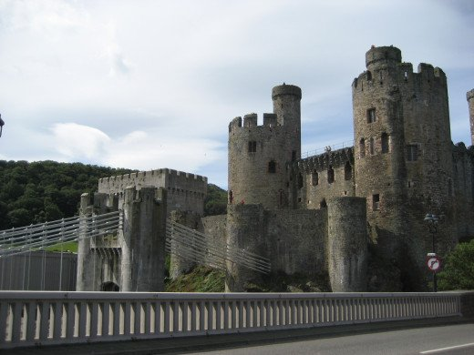 Conwy castle from the modern road bridge - note the gatehouse and the old bridge with the suspension cables secured to the castle itself.