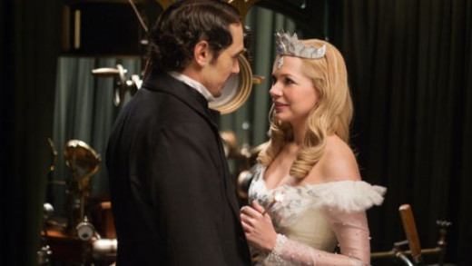 Oz (James Franco) and Glinda (Michelle Williams) discuss the future of the land of Oz in Sam Raimi's updating of the classic L. Frank Baum tales, Oz, the Great and Powerful
