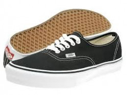 How To Clean Black Vans Shoes?