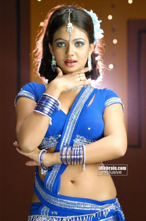 Actress Low Hip Sarees Actress in Low Hip Saree