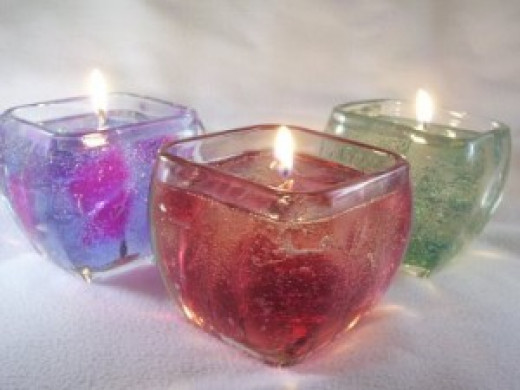 Gel candles are the ultimate '90s décor. For more fun retro party tips, read on!