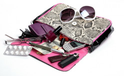 10 Objects That Should Be in Every Female's Purse