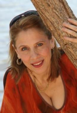 Toni Deaver's Headshot