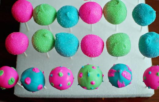 Decorating Cake Pops Easy : Easter Egg Cake Pops Recipe & Easy Decorating Ideas