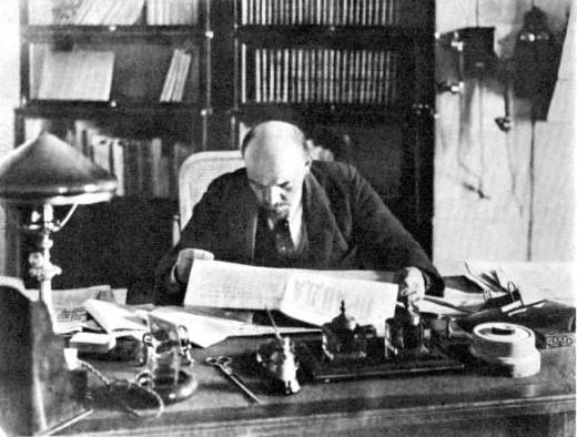 V. I. Lenin, 1918