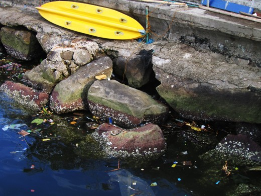 Sad Story: The unclean waters of Manila Bay