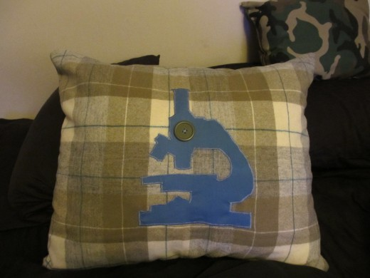 My finished microscope pillow.