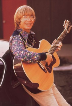 Biography of John Denver - Country Folk Singer and Songwriter