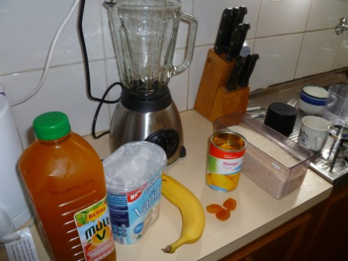 Ingredients for the perfect Bamangocot Smoothie Breakfast