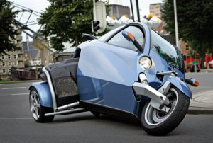 Harley's new trike is designed along the lines of the Carver from Holland, except backwards!