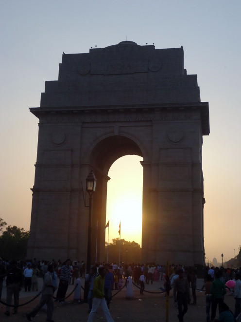 Things to do in Delhi: India Gate at Sunset