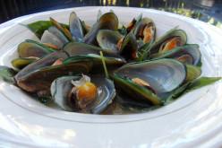 Mussels Soup (Sinabawang Tahong).