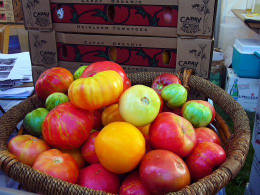 Heirloom tomatoes are example of organic foods