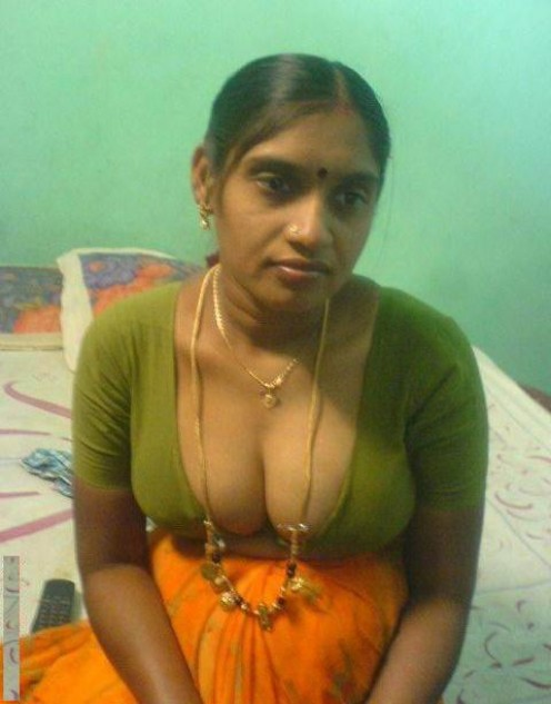 Sexy mallu girls and aunties in blouse without saree hot photos-6