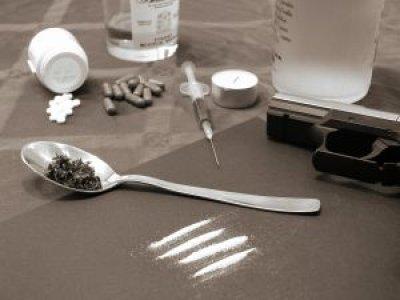 Risky behaviour - Drugs, Weapons