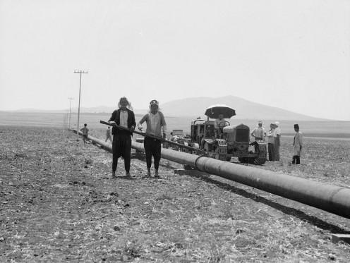 Oil pipeline construction in Iraq, 2011.