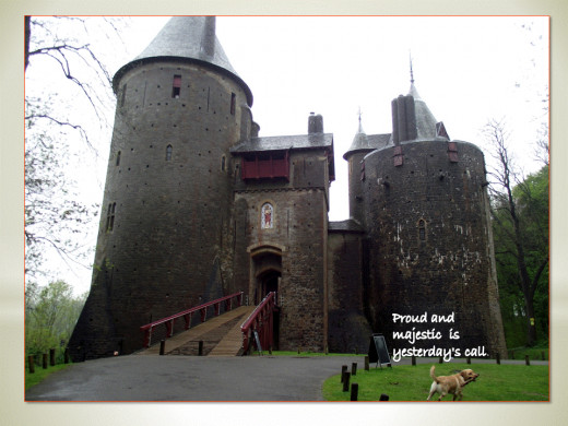 CASTELL COCH (RED CASTLE)