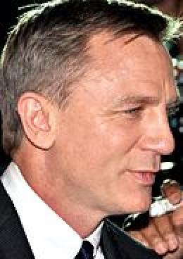 Daniel Craig plays James Bond in Skyfall