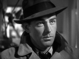 Alan Ladd as Philip Raven