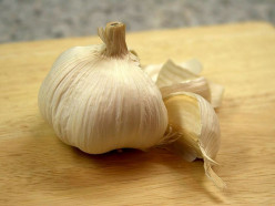Harvest Garlic from Your Own Home Garden