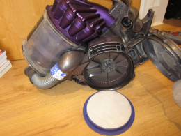 Air filter for Dyson vaccuum