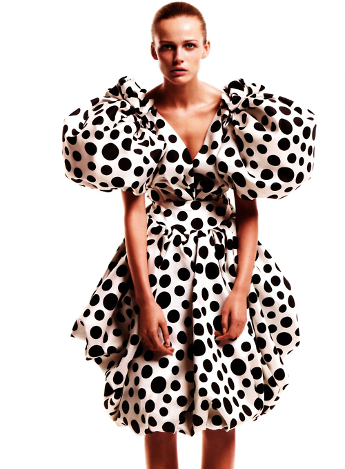 A hot bulky mess. Pick the right outfit for your dots.
