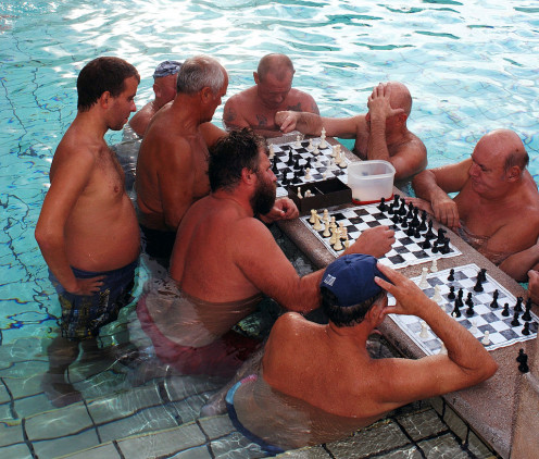 Chess players in Széchenyi bath