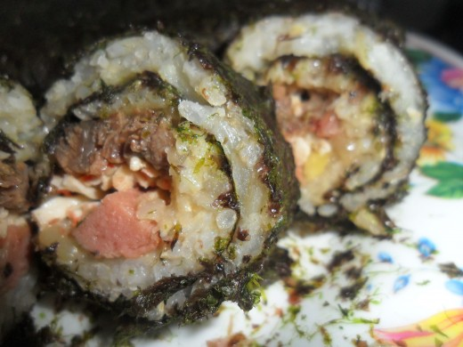 Yummy kimbap with chicken hotdogs and cheese. :)