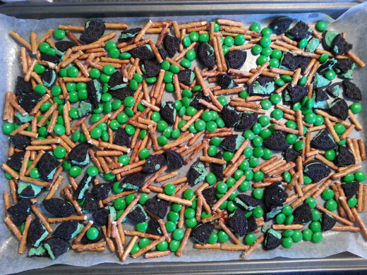 Pretzel and Cookie Bark