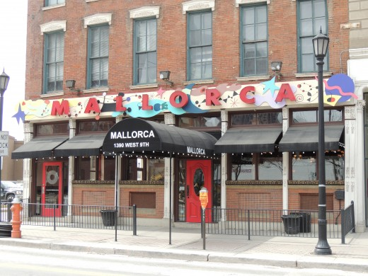 Mallorca Restaurant serving Spanish and international cuisine on W. 9th Street in the warehouse district of Cleveland, OH.