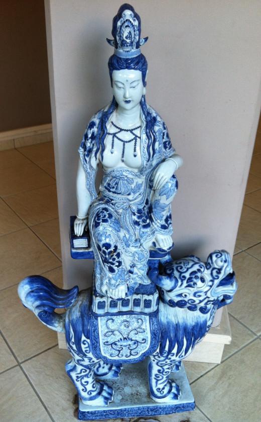 Beautiful Blue & White Statue
