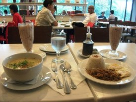 Rice porridge and crispy adobo flakes, both with sweet guinomis for dessert! :D