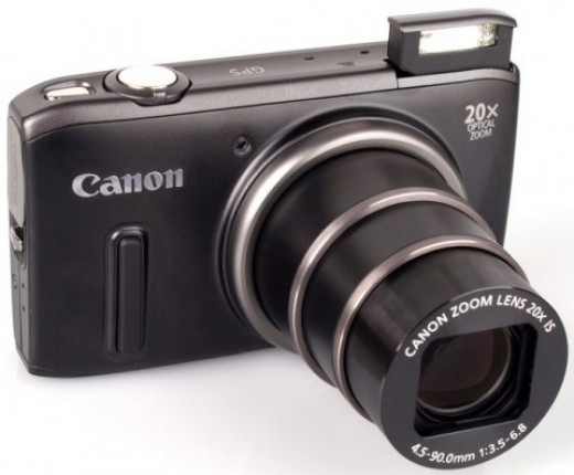 With its 20x optical zoom giving you the equivalent of a 25mm to 500mm range, the Canon PowerShot SX260 compact camera is actually giving superzooms a run for their money.