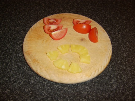 Tomato and pineapple for sweet and sour sauce