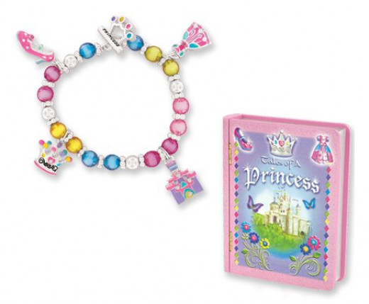 Little girls dream of being a princess so this princess themed bracelet with matching presentation box is sure to please.