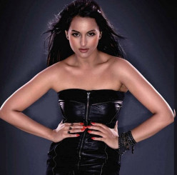 All about the Dabangg girl Sonakshi Sinha Unseen pics, hd videos, songs, movies, unknown facts and more