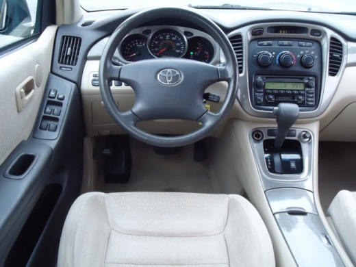 2003 Toyota Highlander Interior