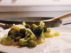 Cooking with Coconut Oil: Warm Tropical Broccoli & Pineapple