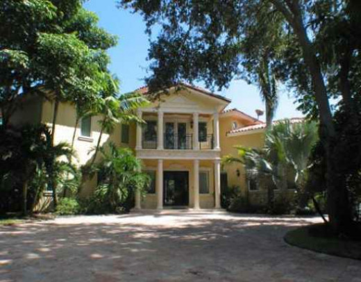 Nice houses in Pinecrest Miami