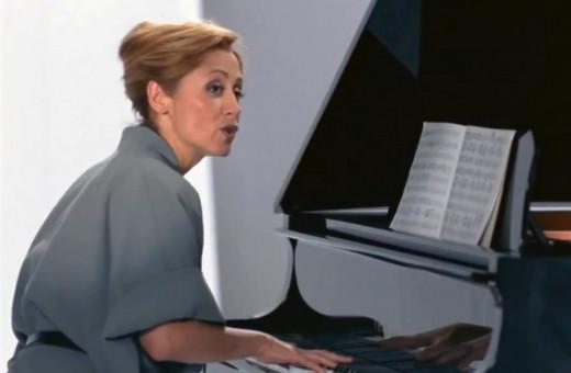 """Lara Fabian in """"Mr. President""""."""