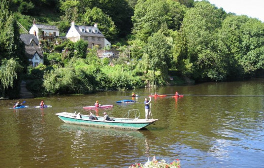 Canoes at Symonds Yat on the River Wye