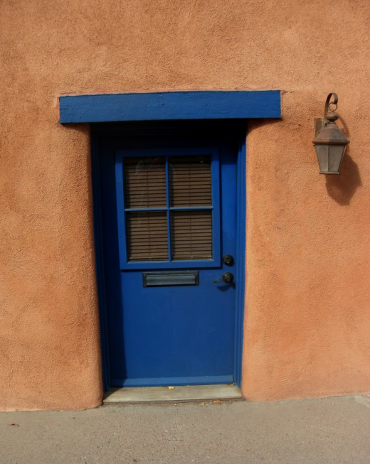 Santa Fe is loaded with charming scenes like the one pictured above. Look around and you will see many.