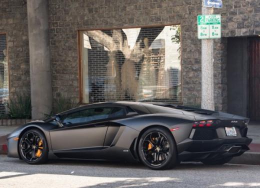 Lamborghini Aventador LP700-4 Exterior