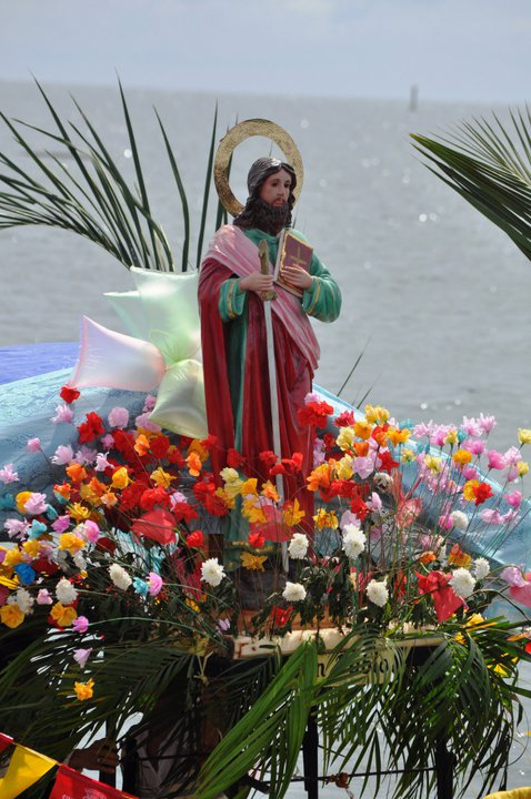 We celebrate sakay sakay here in Patafla, or Fluvial Parade...... Sakay-sakay is a procession in the shore,  usually with a patron statue St. Nino, Jesus, or Mama Mary on some of the boats, a religious activity done every year