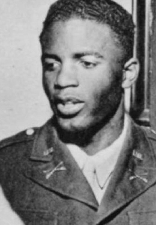 2nd Lieutenant Jackie Robinson in 1943